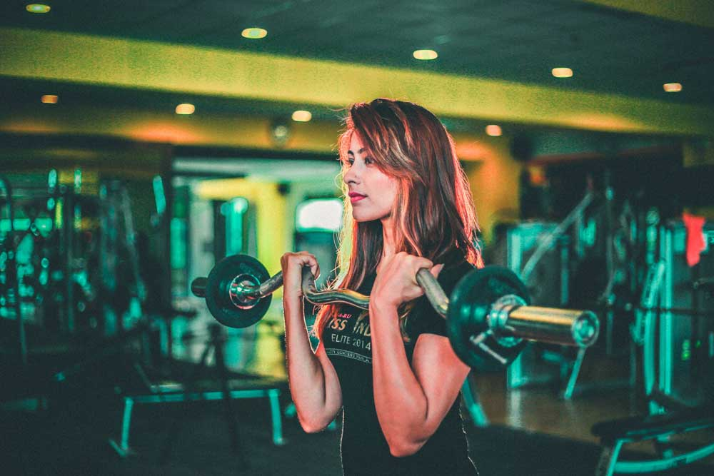 famale-body-builds-workout